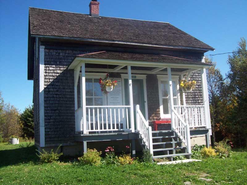 Une vieille maison saint hilaire de dorset vaut le d placement - Rever d une vieille maison ...