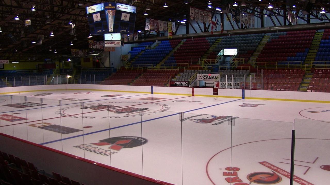 Une ligue de hockey de garage pour enfants voit le jour for Garage du coteau villeneuve saint georges