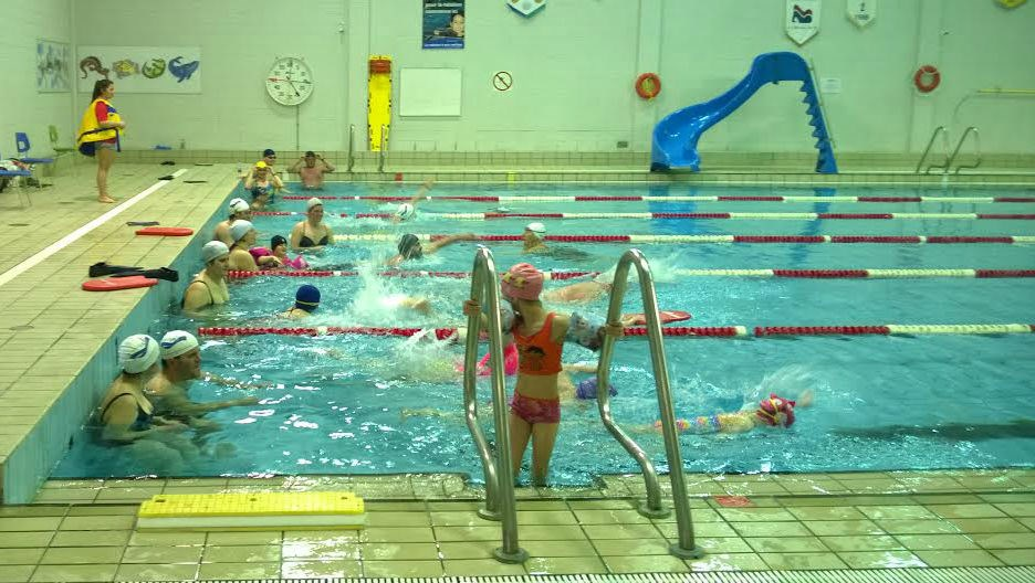 80 personnes nagent pour la vie Piscine oloron sainte marie