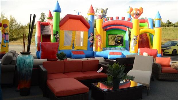 meubles l on invite la population sa vente appr ciation du client. Black Bedroom Furniture Sets. Home Design Ideas