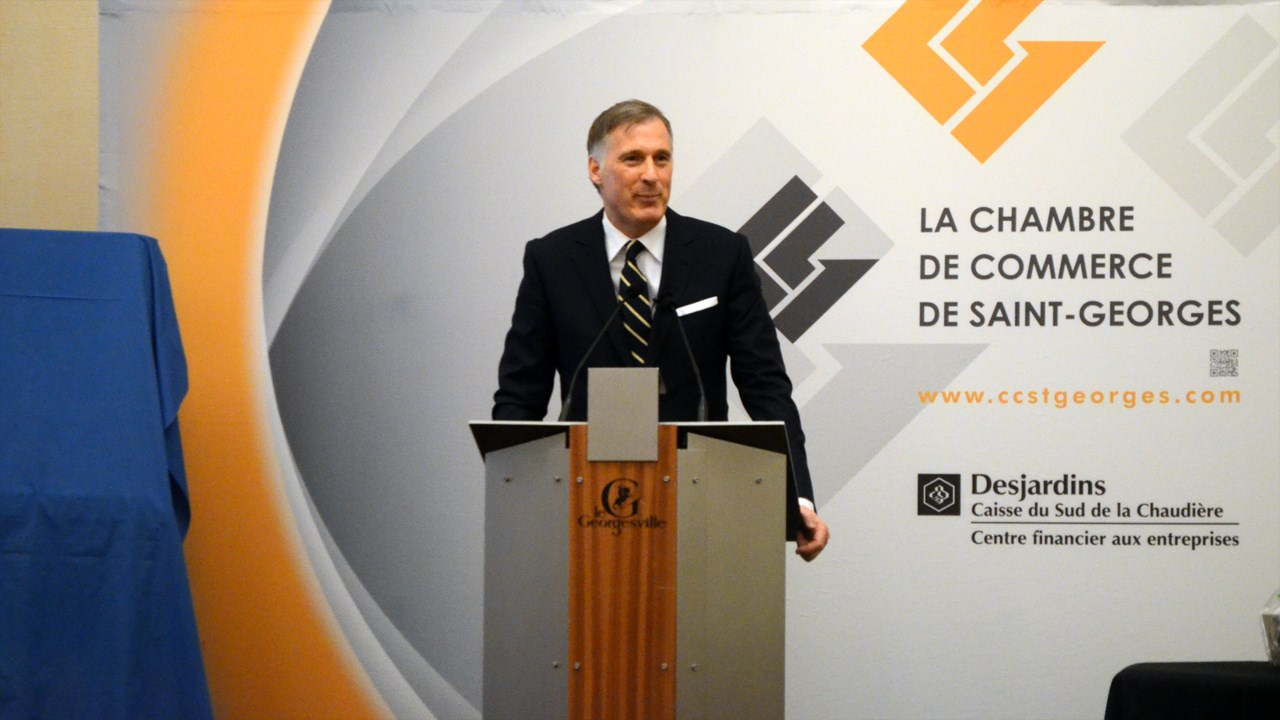 maxime bernier pr sente ses politiques devant la chambre de commerce de saint georges. Black Bedroom Furniture Sets. Home Design Ideas
