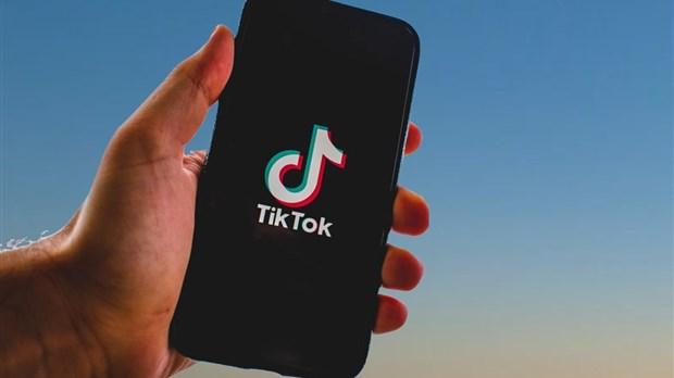 Donald Trump lance un ultimatum pour un accord sur TikTok — États-Unis